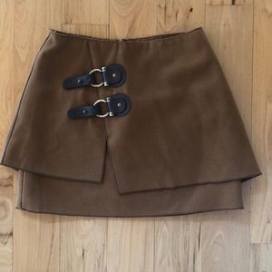 Brown skirt with front buckle